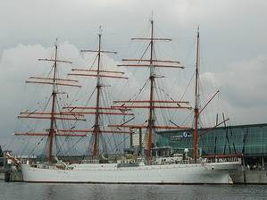 im299-640px-Segelschiff_Sedow.jpg