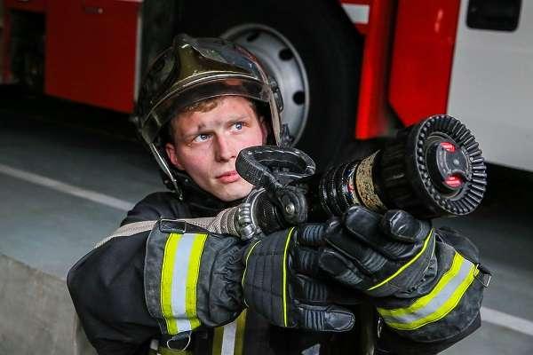 Пожарный описание профессии, плюсы и минусы