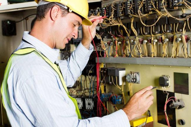 Проведение плановых и сверхплановых ремонтных работ